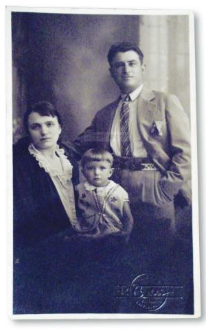 Pesaro anni Venti Famiglia Carlo Ortolani e Zaira Mignoni