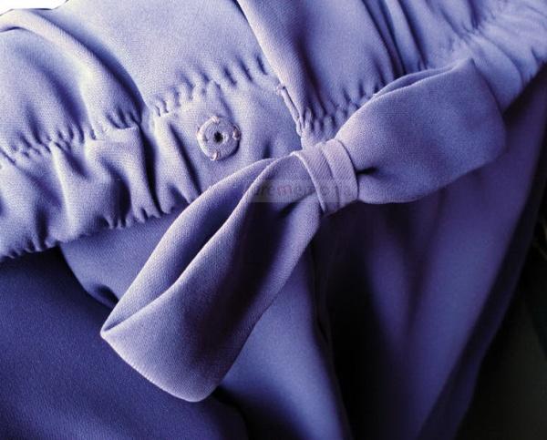 Dettaglio abito viola